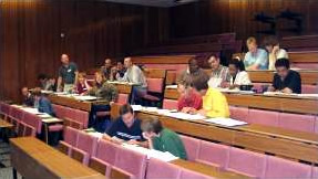 Students-in-lecture-theatre