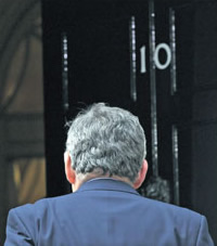 Gordon-Brown-bids-adieu