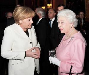 Queen-Elizabeth-Angela-Merkel