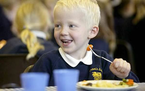 Child-eating-school-meal