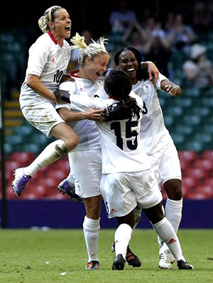 Steph-Houghton-Great-Britain-New-Zealand-25-07-12