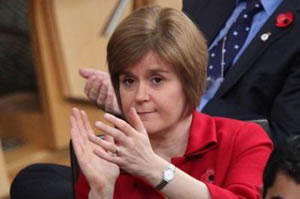Nicola-Sturgeon-clapping