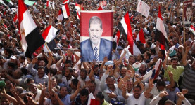 Egypt: Mohamed Morsi supporters rally