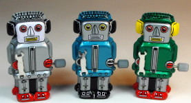 Sanko Seisakusyo (三幸製作所) – Tin Wind Up – Tiny Zoomer Robots – Front
