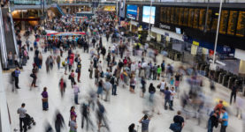 london_waterloo_interior_rush_hour_1_london_uk_-_diliff
